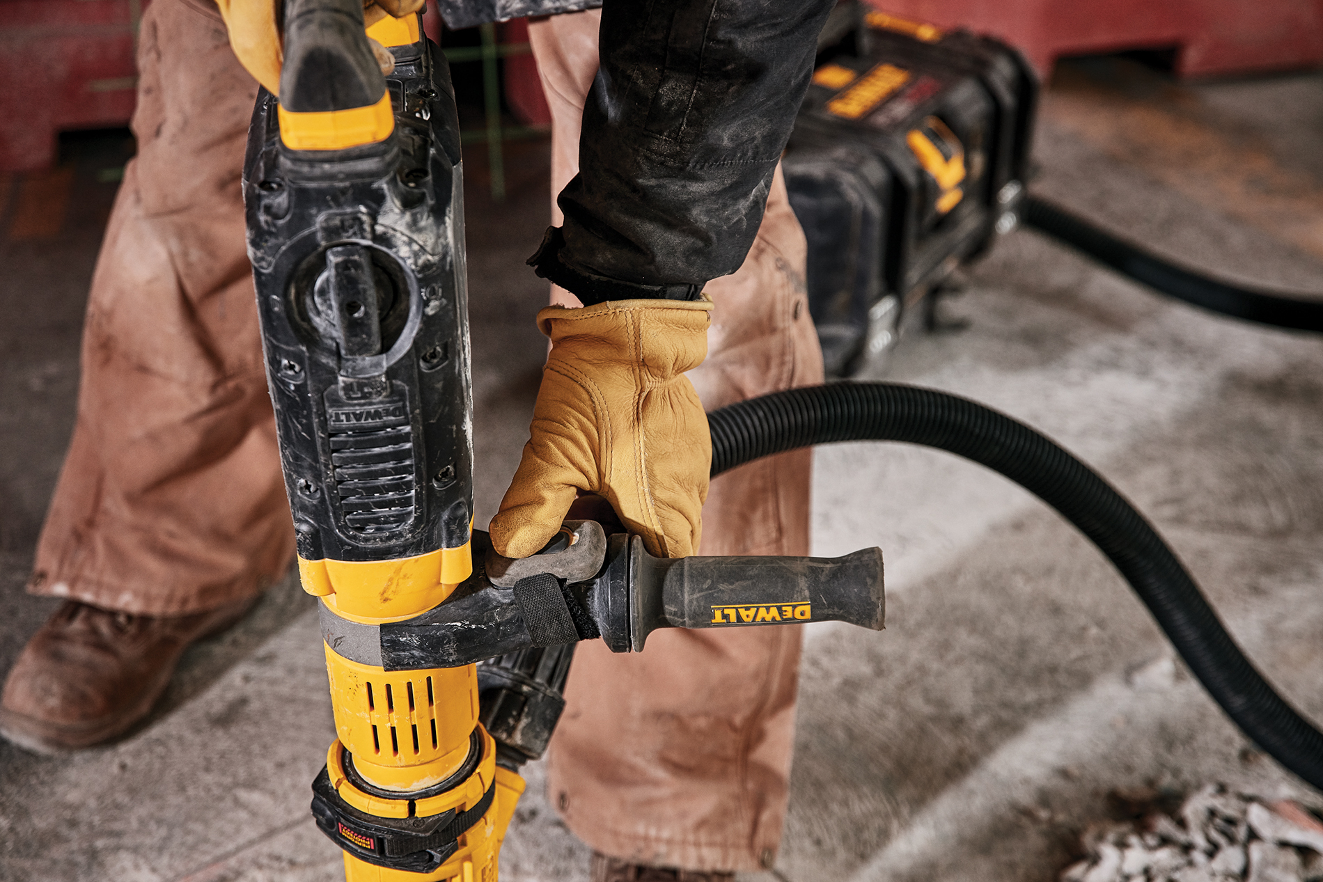DeWalt remote-controlled dust extractor