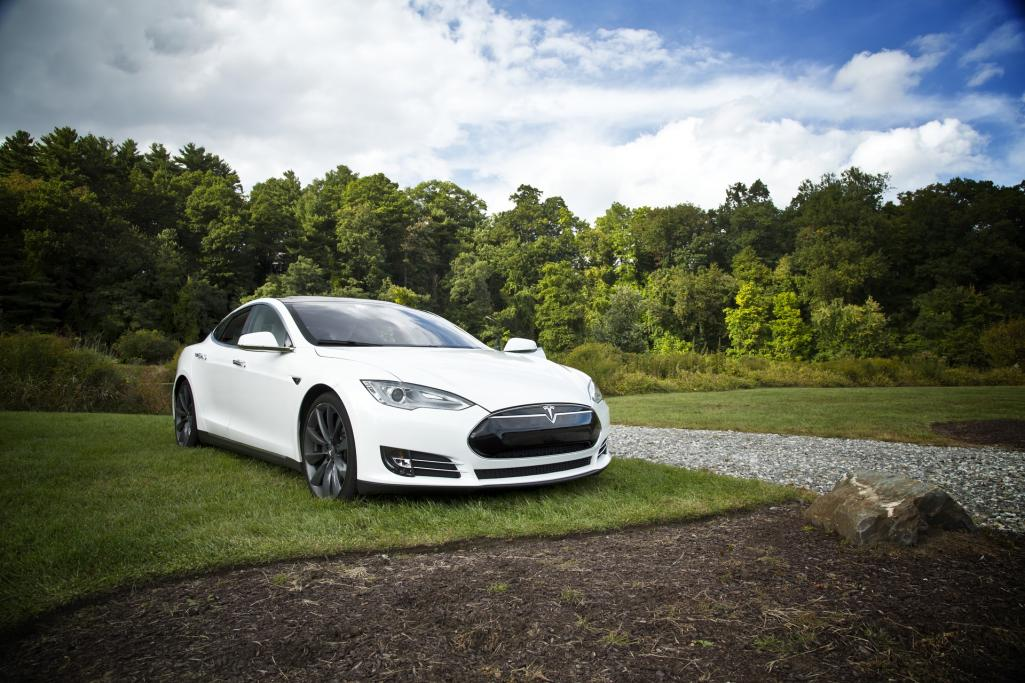 Electric Car Vehicle Tesla Image by Free-Photos from Pixabay