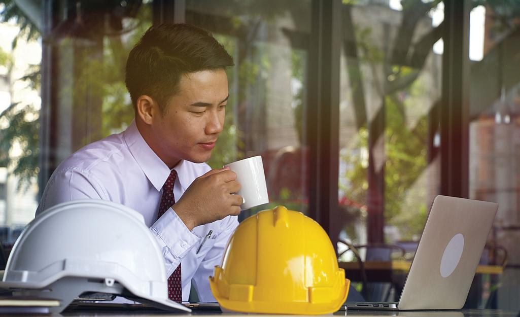 Contractor Business Man Photo Credit: Shutterstock / Thaninee Chuensomchit